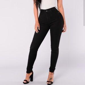 FashionNova Black High Rose Stretch Jeans Sz 3